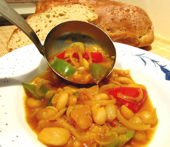 white beans with green peppers